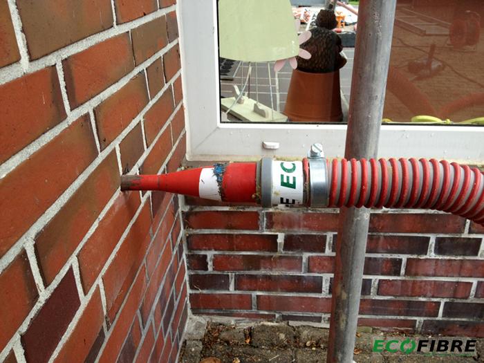 Luftschicht in Mauerwerk verfüllen